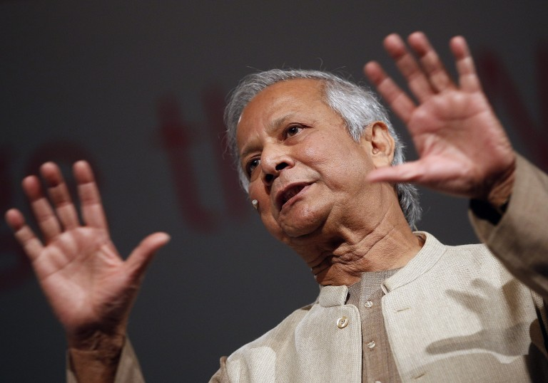 epa03463177 Bangladeshi banker and Nobel Peace Prize winner Muhammad Yunus during his opening speech at the Global Social Business Summit 2012 in Vienna, Austria, 08 November 2012.  EPA/GEORG HOCHMUTH  Dostawca: PAP/EPA.