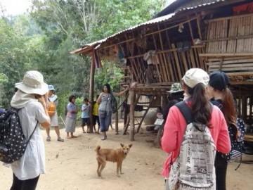 บุญอาสาวันเข้าพรรษา2559  Volunteer to offer food and stuffs for Karen Children Center