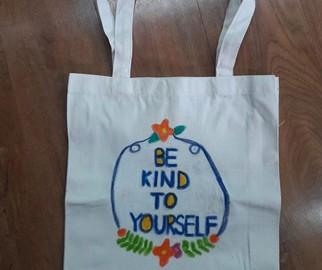 อาสาลงลายกระเป๋าผ้า เพื่อศูนย์เด็กด้อยโอกาส 4 พ.ย. Volunteer to Paint Bag to Raise Fund for Children Center in Thailand