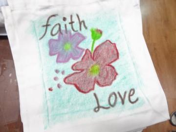 อาสาลงลายกระเป๋าผ้า เพื่องานพัฒนาเด็ก 20 ม.ค.  Volunteer to Paint Bag to Raise Fund for Child Development